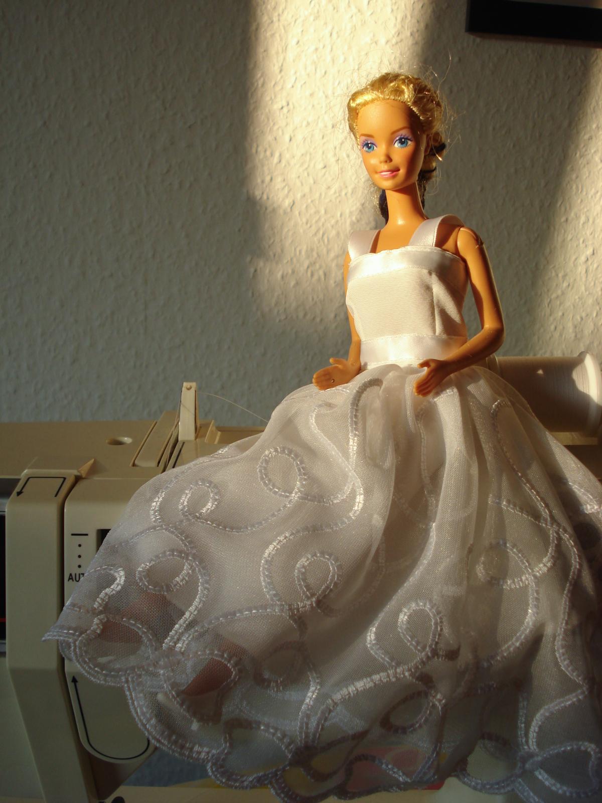 Barbies Hochzeitskleid - Fabulatoria