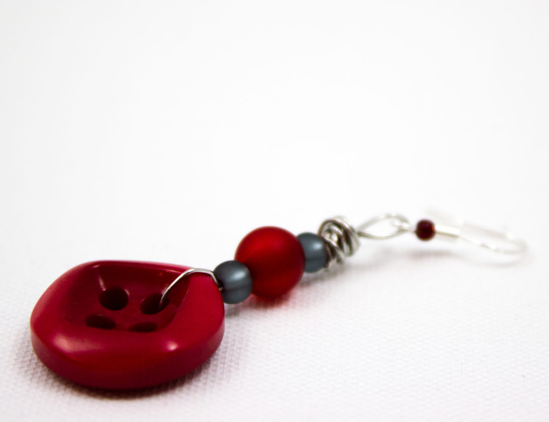 Blog-Geburtstagswoche Tag 2: Knopf-Ohrhänger DIY