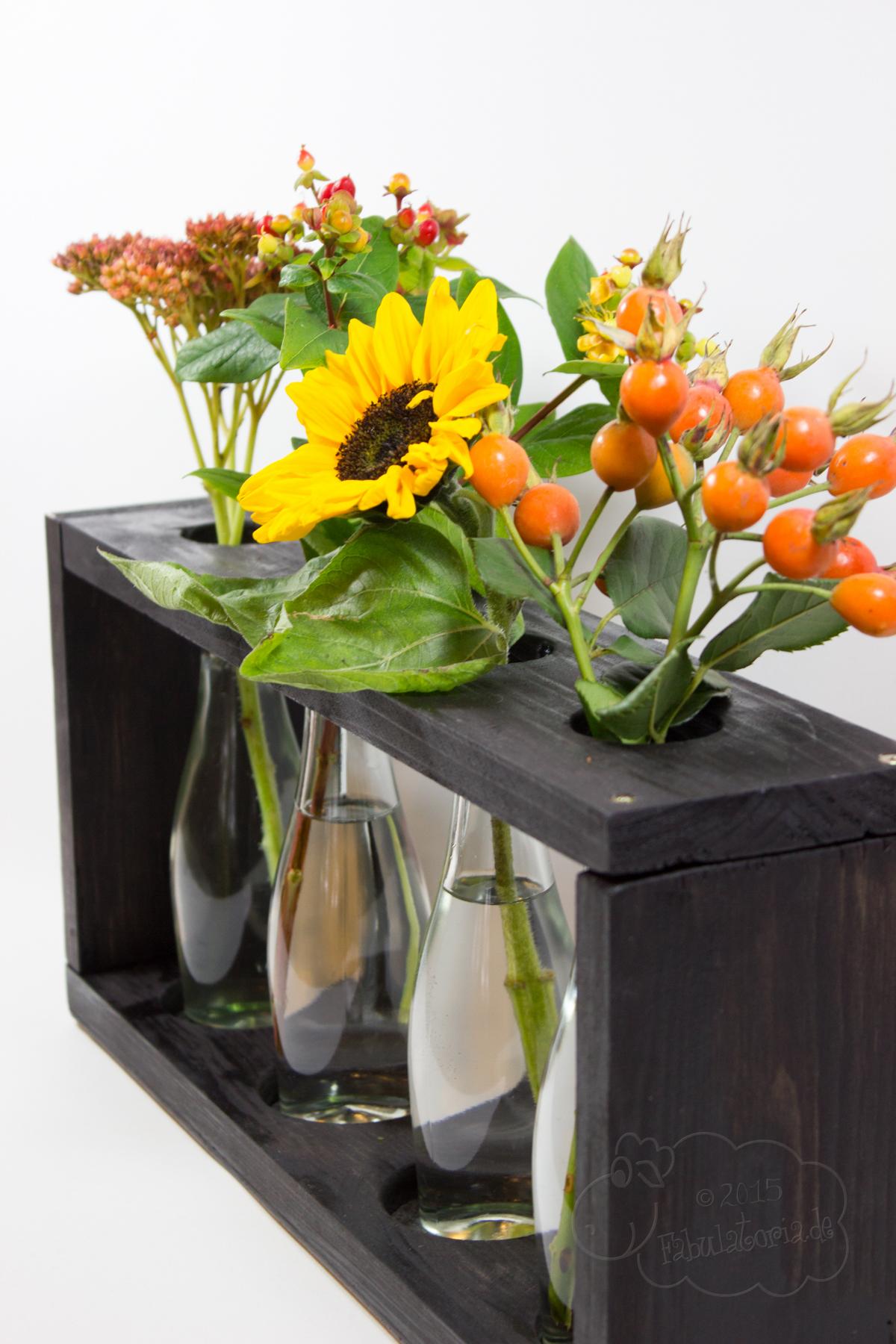 Mit Rotkäppchen Fruchtsecco eine herbstliche Vase gestalten
