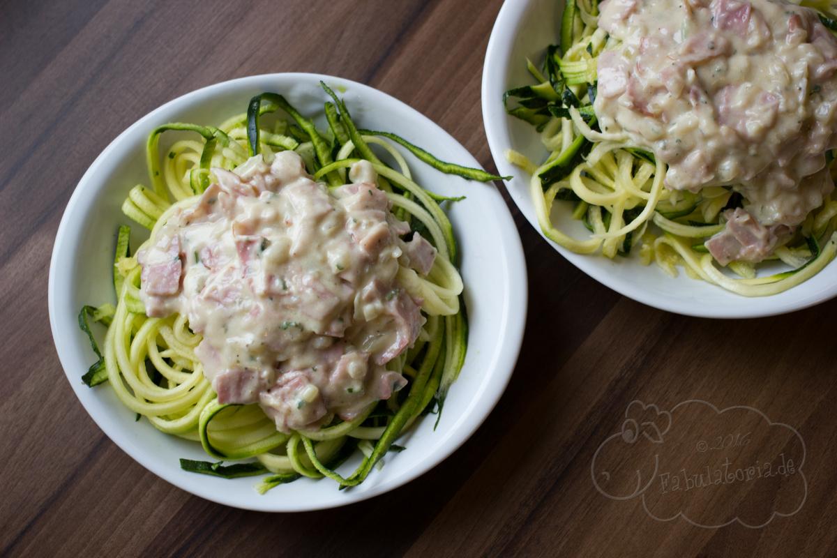 Paleo-Rezept: Zucchini-Spaghetti alla Carbonara